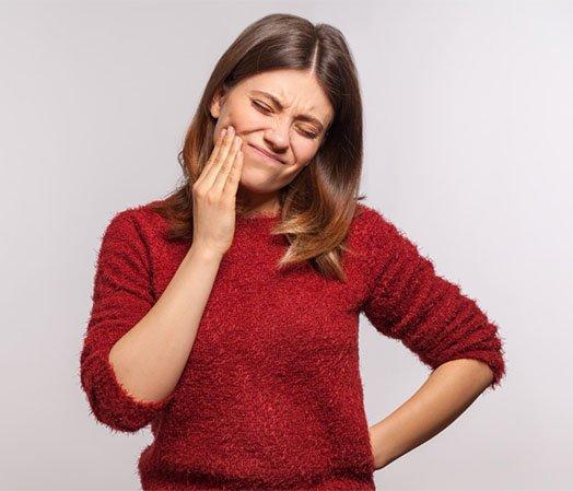 symptoms of sensitive teeth albury